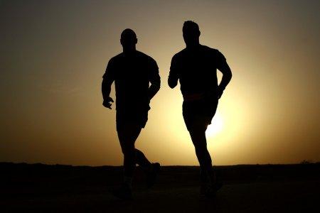 correr-salir-ejercicio-amigos