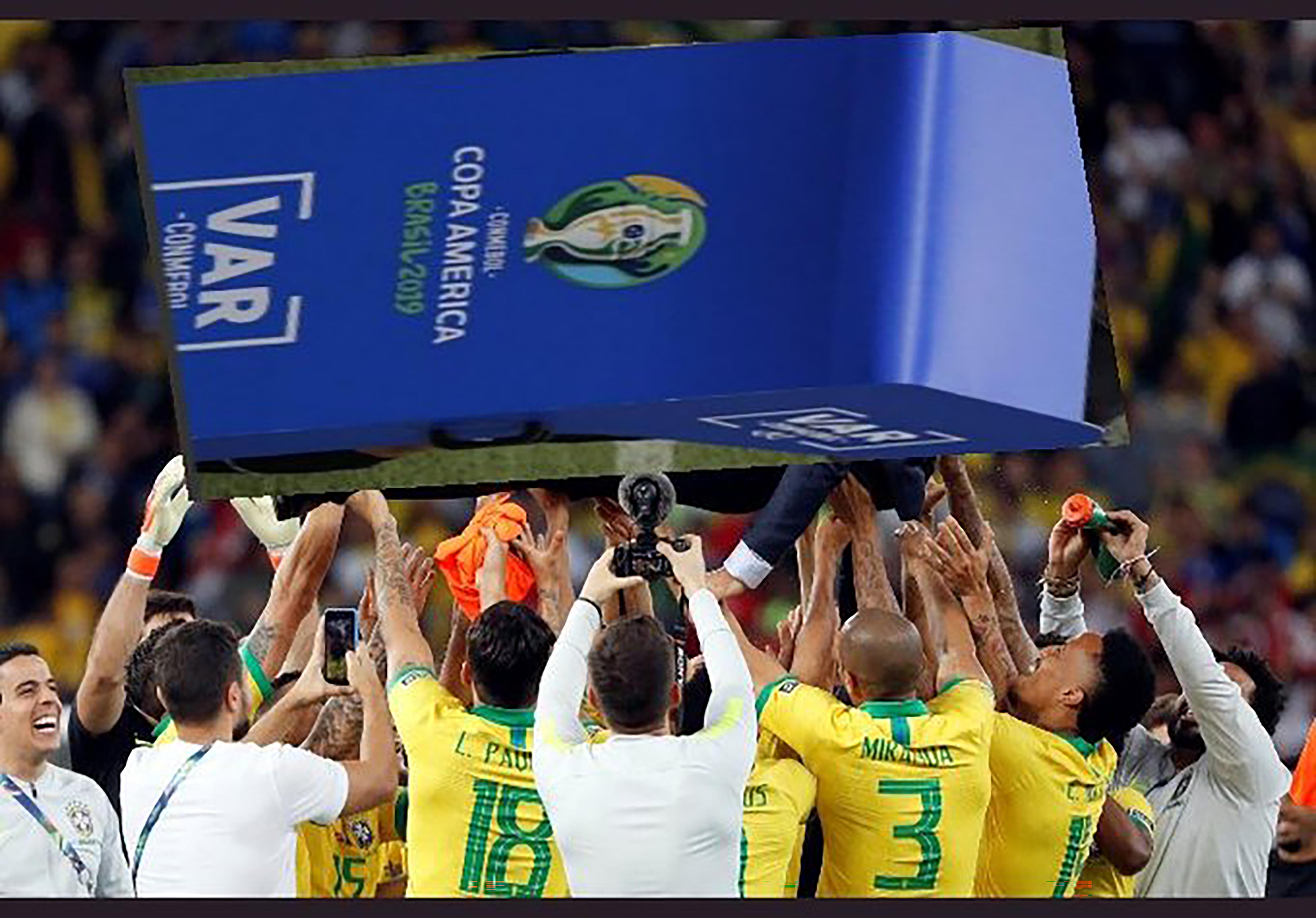 Brasil salió campeón con mucha ayuda del VAR.