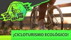 mujer bicicleta cicloturismo ecológico